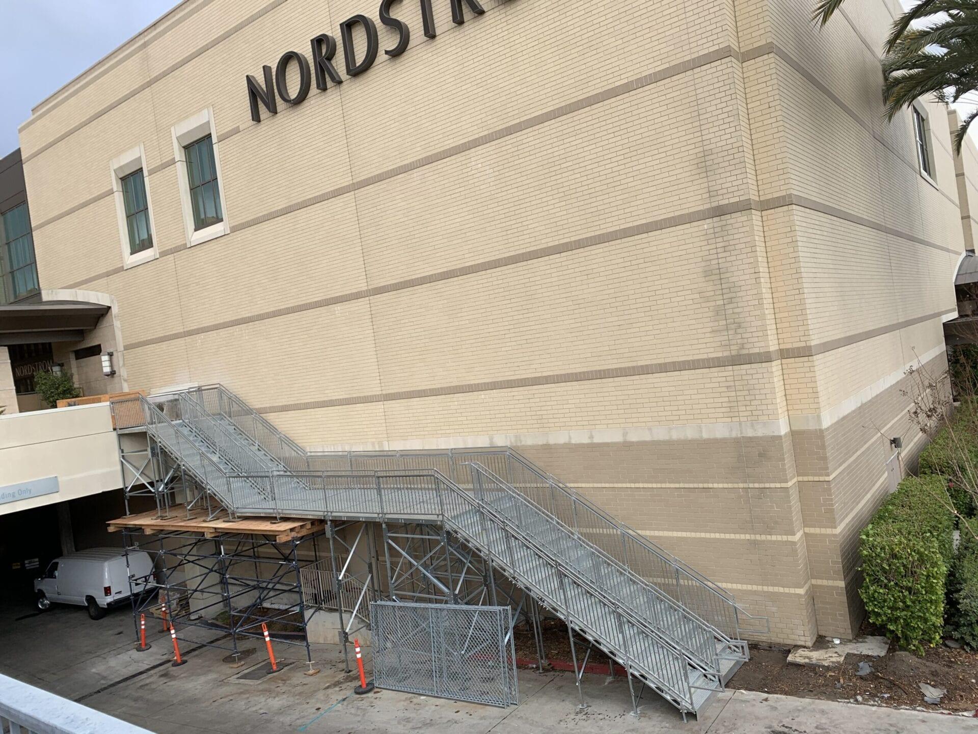 NordstromTopangaVertical